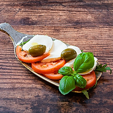 Salada Caprese (v) (gf)