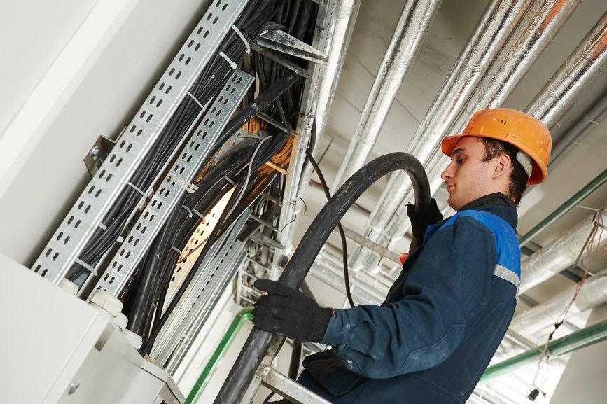 Монтаж внутренних и наружных сетей здания