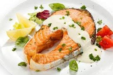 Стейк лосося в сливочном соусе