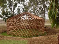 פארק היורטה - לא אוהל אינדיאני