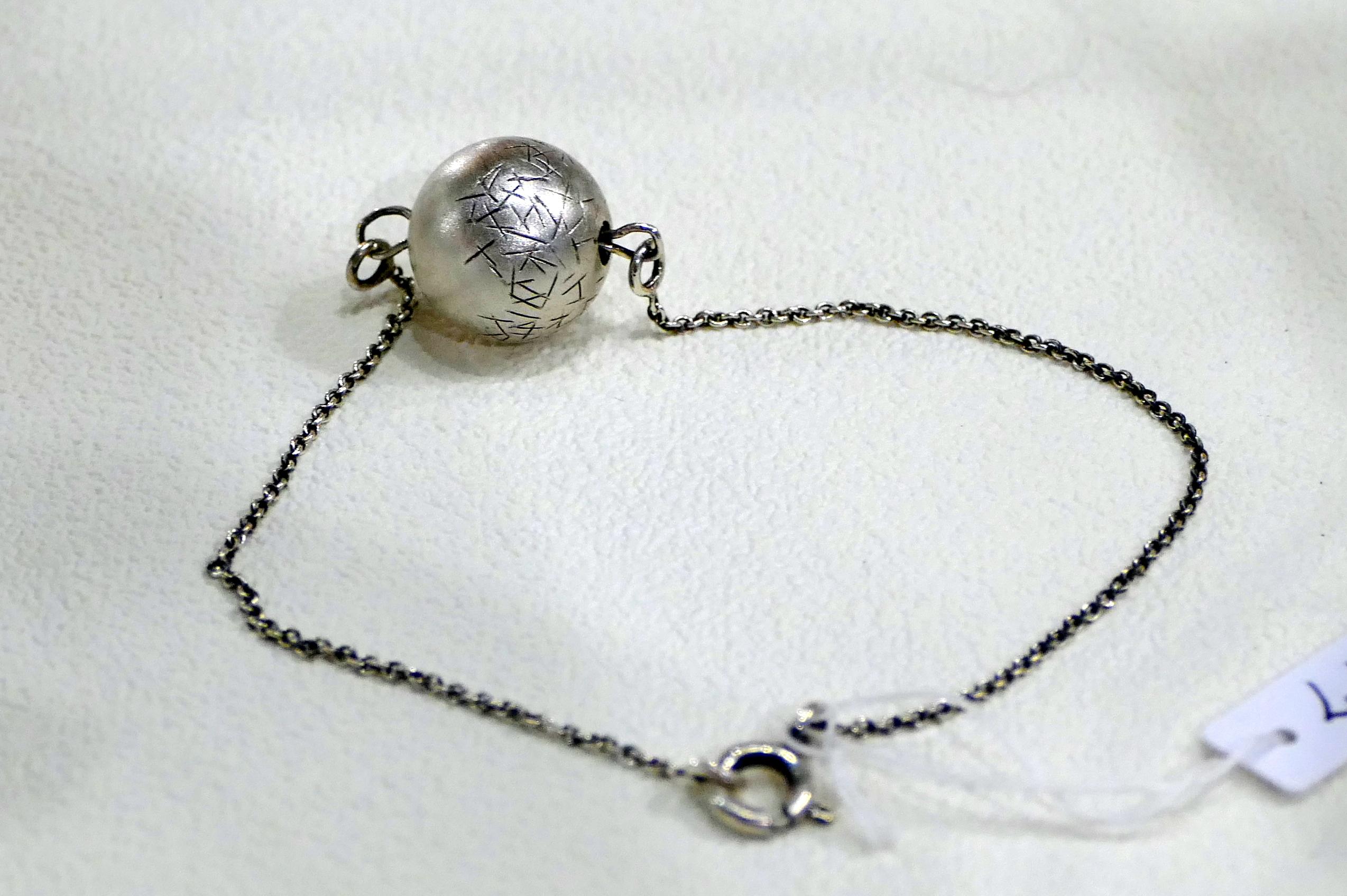 Amandine Tirand, bijoux en argent.