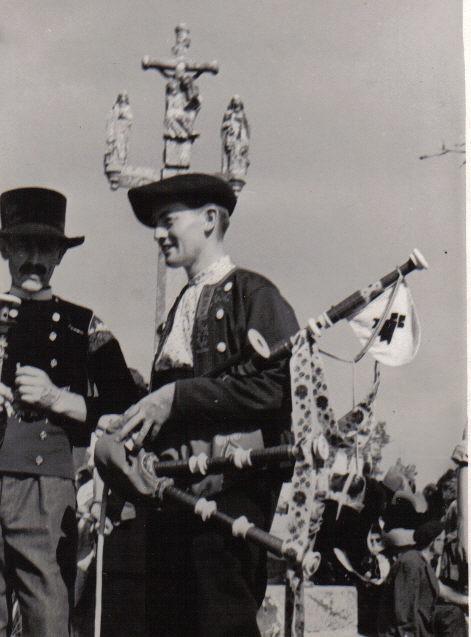 Bleuniou Sivi 1946 J Fournier 1947 Ste Anne La Palud