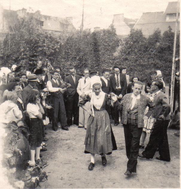 Bleuniou Sivi 1946 danse 3