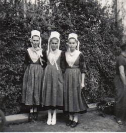 Bleuniou Sivi 1946 soeurs jacq