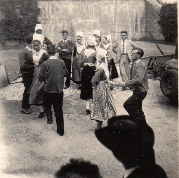 Bleuniou_Sivi_1946_chaîne_dames