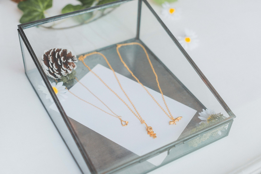 22ct Gold Plated pendats by Lucy Flint Jewellery could be ideal wedding jewellery. Image by Darley and Underwood Photography. Midlands wedding photography.