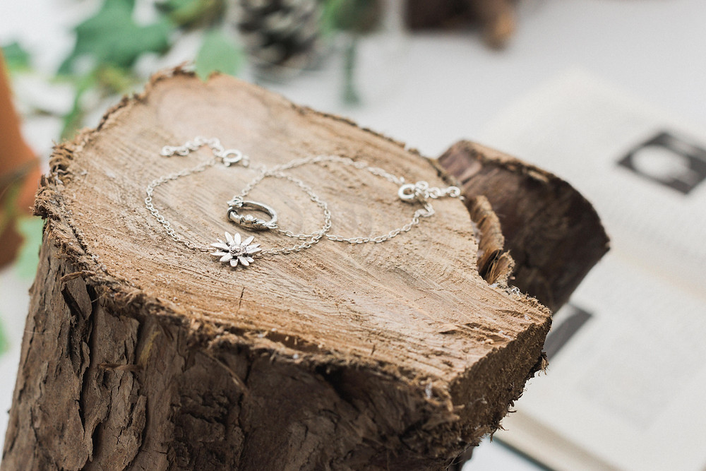 Lucy Flints' silver bracelets could make an ideal choice for your bridesmaids. Image by Darley and Underwood Photography. Wedding photography in Leicester.
