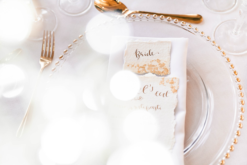 Golden wedding breakfast styling. Photography by Darley and Underwood Wedding Photography.
