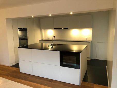 und so sieht unsere neue Küche aus, welche wir pünktlich zu Weihnachten übergeben durften :-)