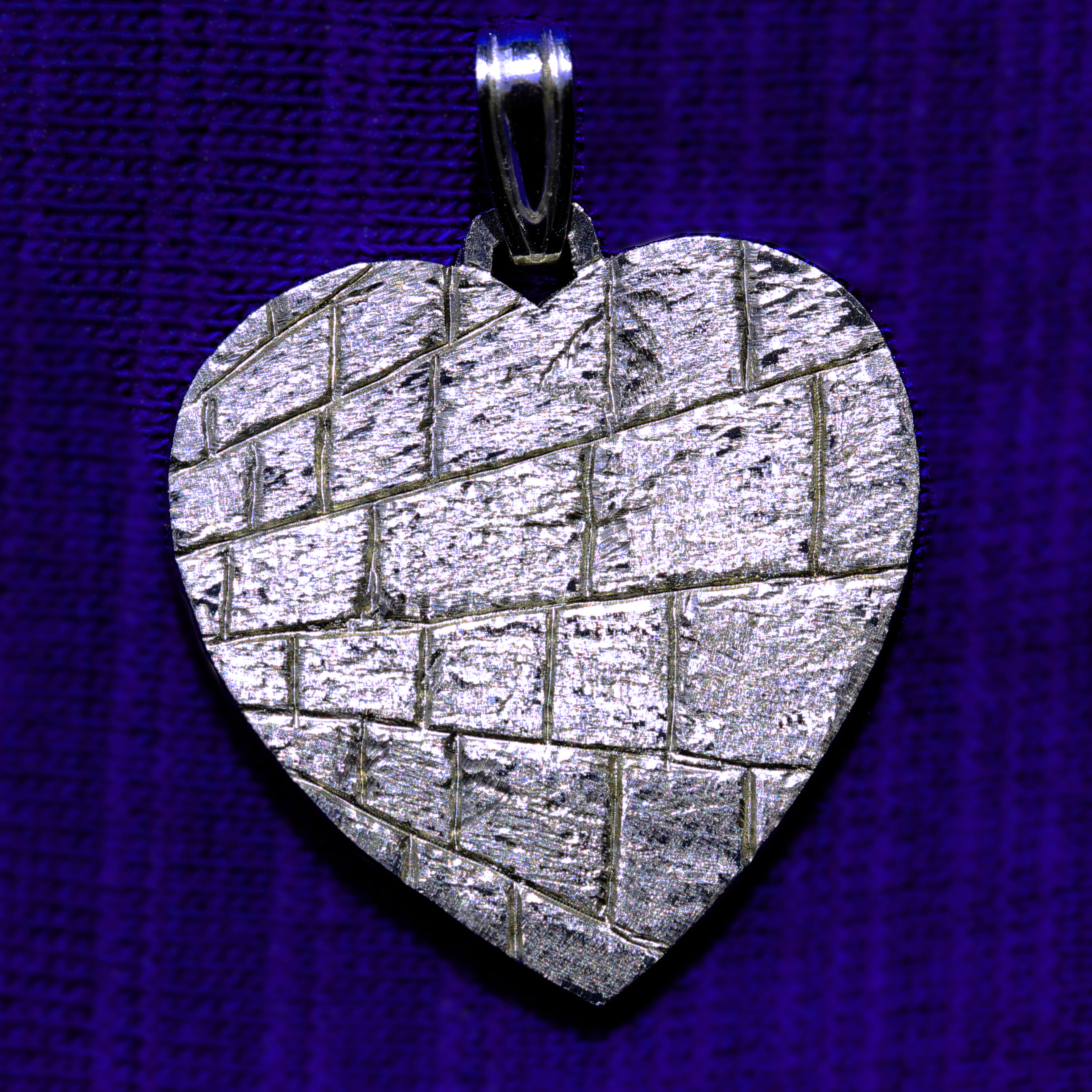 Wailing wall heart