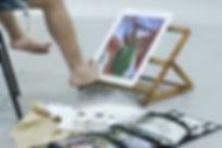 Pintor com o pe.jpg