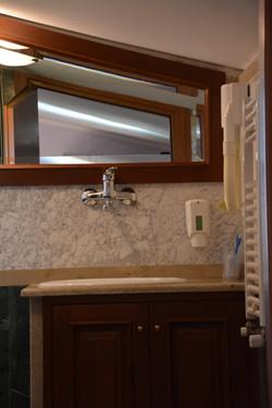 Dettaglio bagno camera