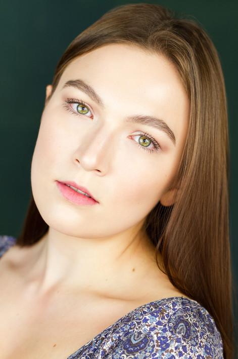Actress Liana Giniatullina Headshot 4.jp