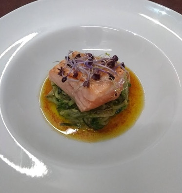 Fresh salmon with cayenne pepper sauce