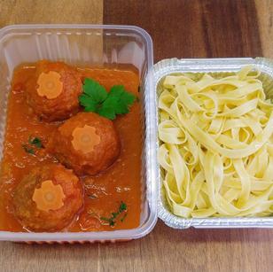 Boulettes sauce tomate et tagliatelles f