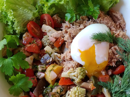 Tuna salad and egg