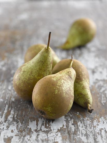Organic Pears Conference 4x pack (£0.42/100g)