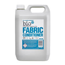Bio D Fabric Conditioner 1L in Glass Bottle (£0.34/100g)
