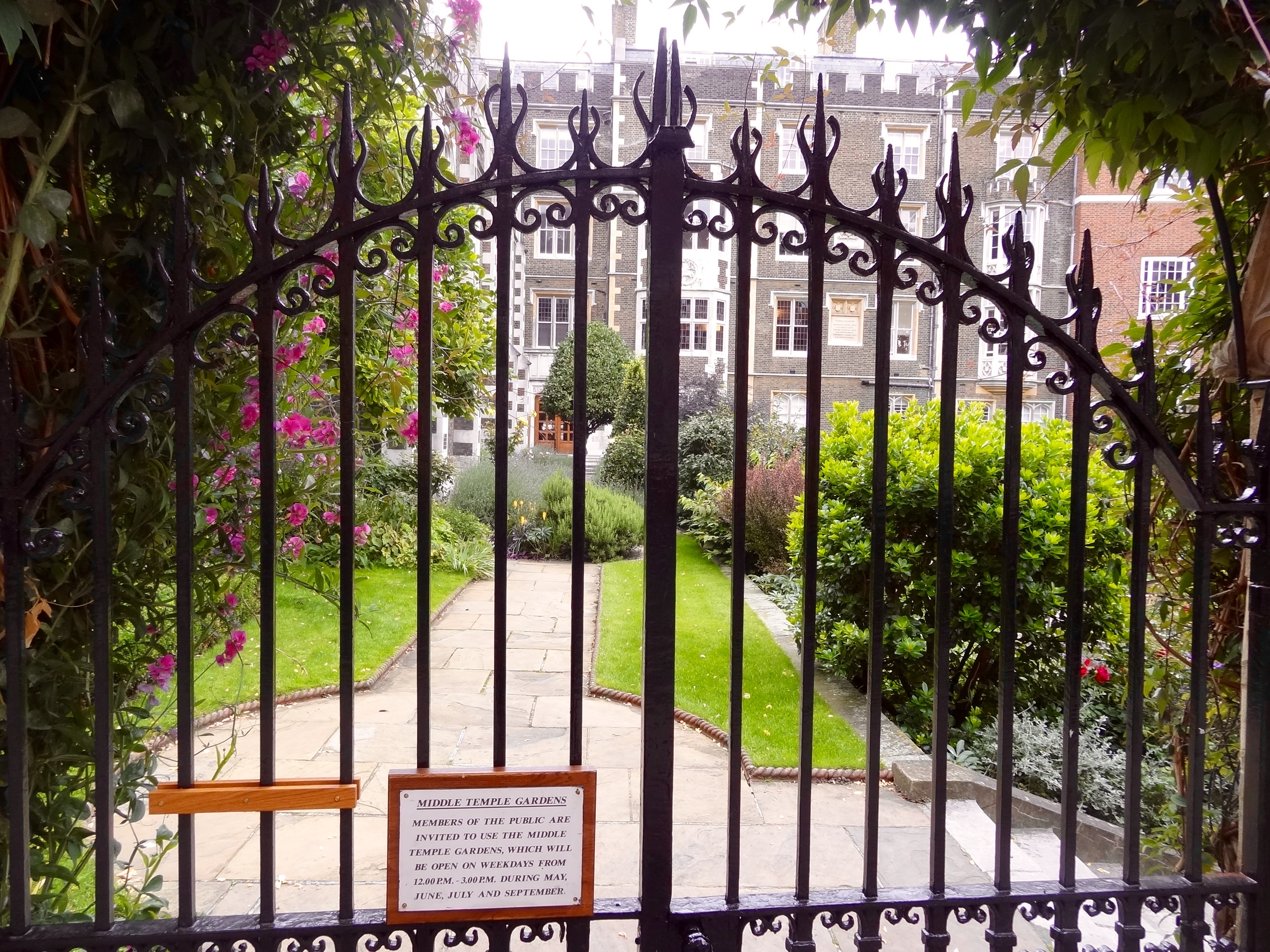 Middle Temple Gardens & Hall