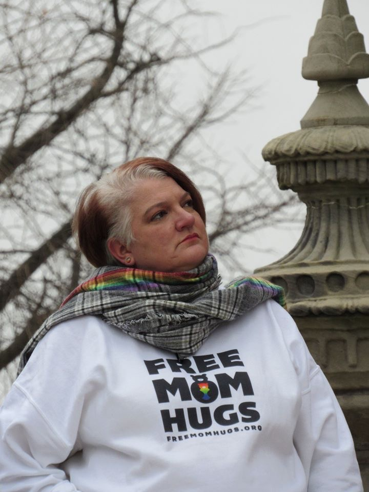 Free Mom Hugs Rally