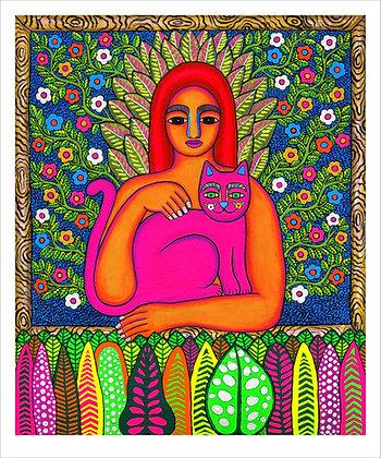 Mujer con gato rosa en su jardín interior