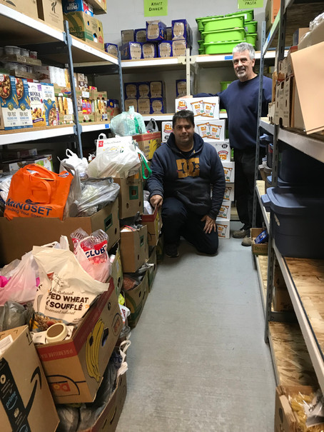 Howlleen Manor supports the Food Bank!
