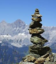 mountains-468123_1280.jpg