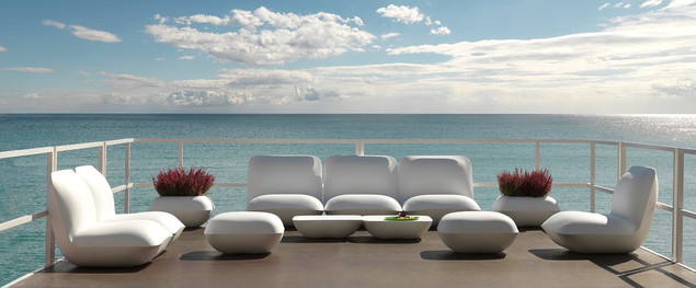 Vondom-Pillow_1110x459-ID1916968-d78a022