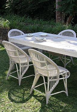 כיסאות ושולחן אוכל חוץ מראטן סינתטי