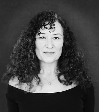 Maria Chase Coaching B&W Headshot_edited