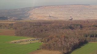 1. Hambacher Forst und Tagebau Hambach.j