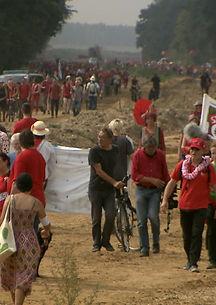 Tausende demonstrieren gegen Braunkohle