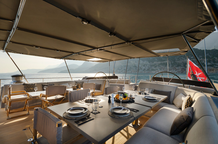 Open Air Lounge & Dining - Ocean Pure -