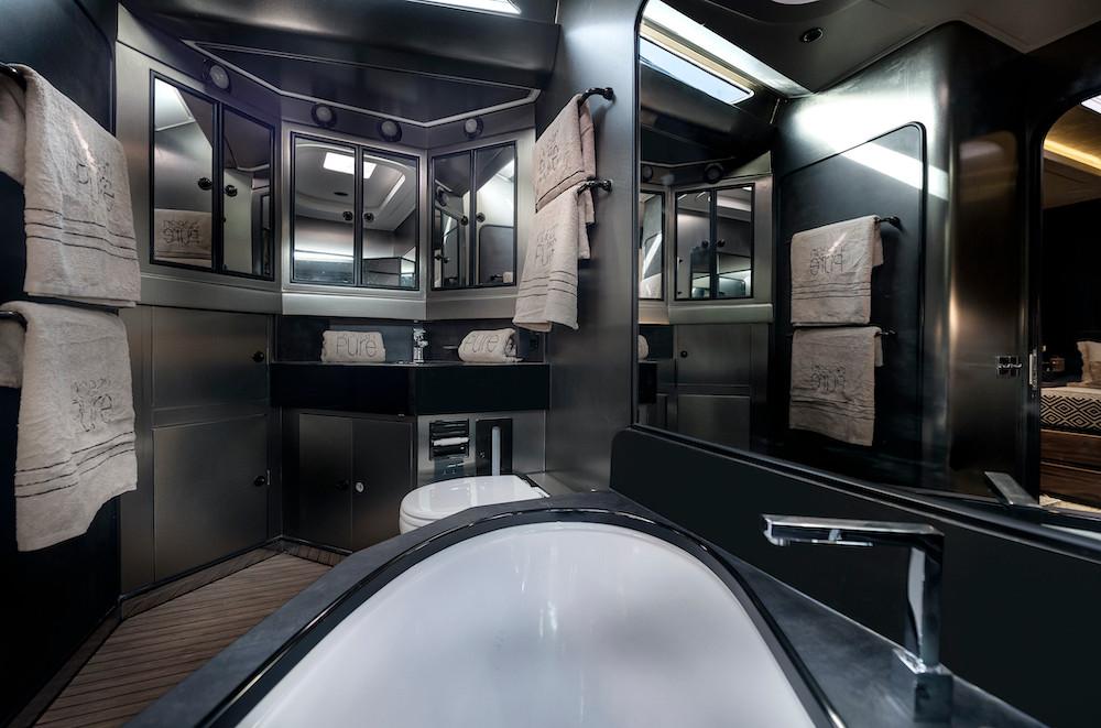 VIP bathroom - Ocean Pure - St Barth - W