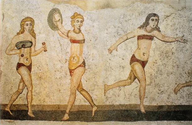 mosaïque antique femmes bikini Rome