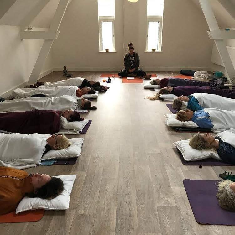 Inner Yoga & Meditatie Bijeenkomst (geleid)