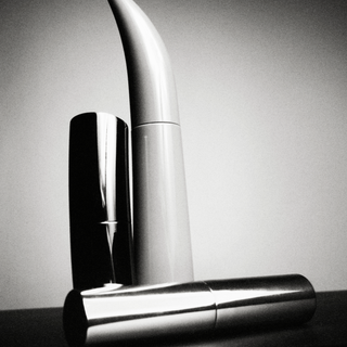 MAKEUP GROUP BY MARCUS OHLSSON