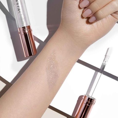 Honey Diamond Gloss Arm Swatch Light