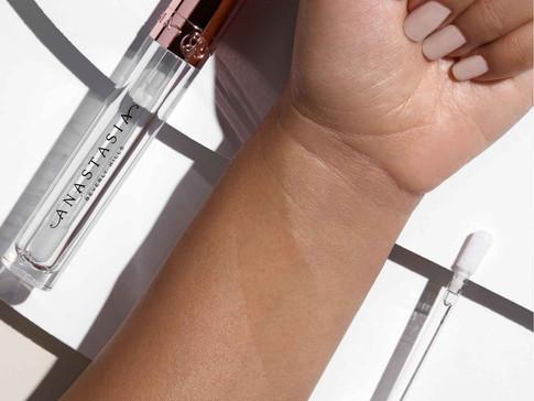 Crystal Gloss Arm Swatch Medium