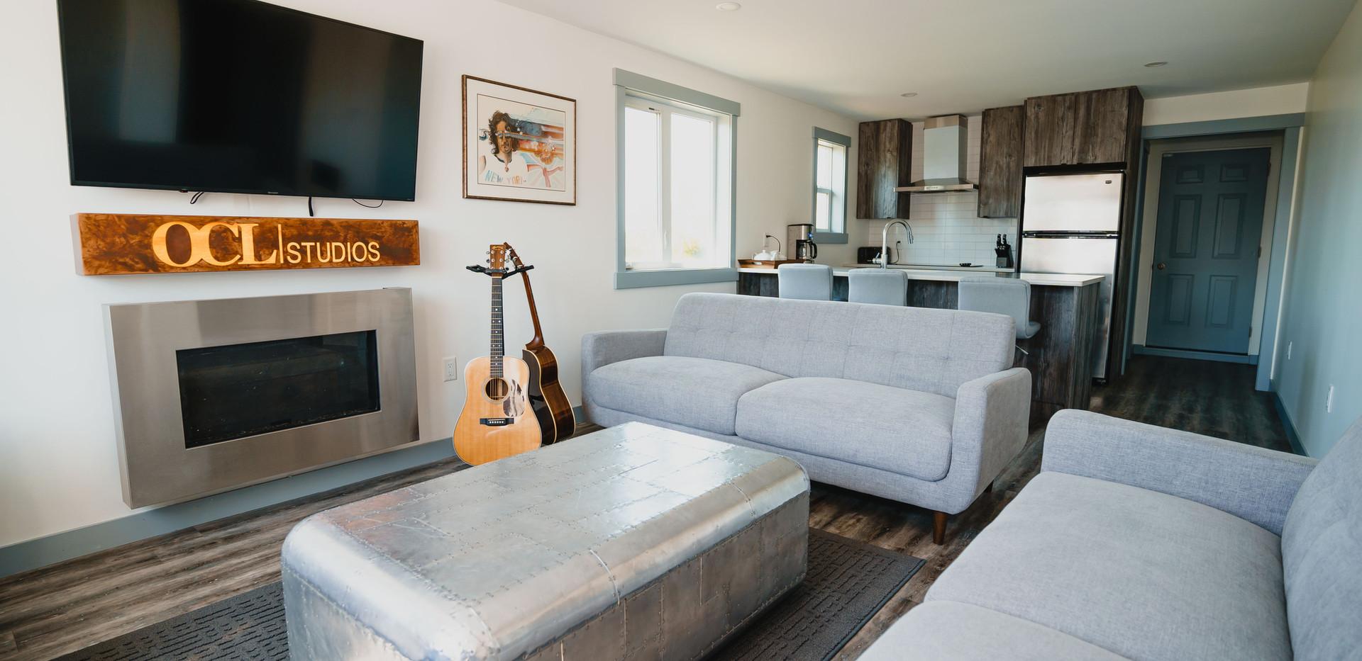 Studio C Lounge