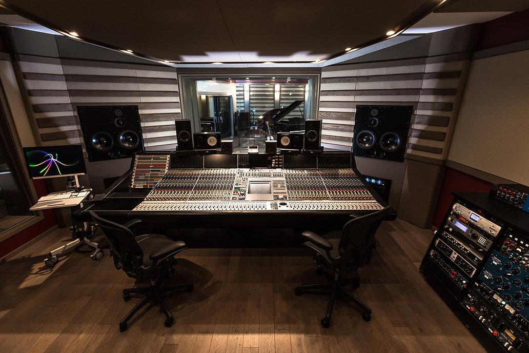 OCL Studio-5018 (1).jpg