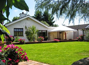 Pinegrove Lodge Bed and Breakfast
