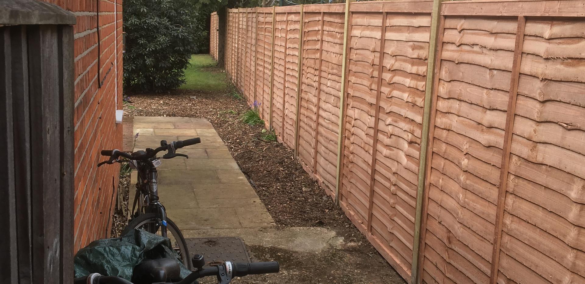lap panel fencing installed in wokingham