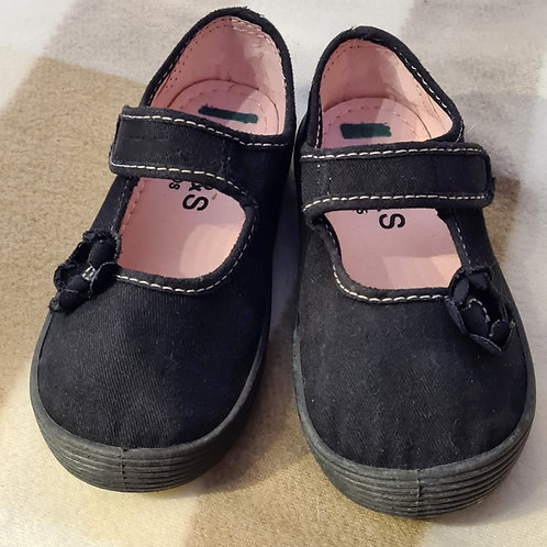 Girls Plimsolls - size 9