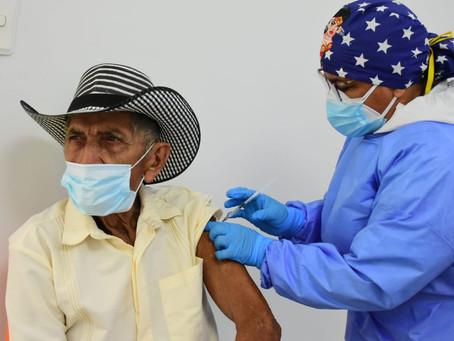 En Atlántico hacen llamado a adultos mayores de 70 años a recibir la vacuna