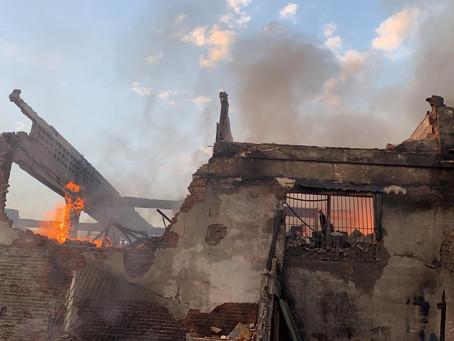 Fuerte incendio en Barranquilla afectó locales comerciales