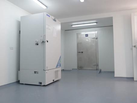 Unisimón entrega a Barranquilla ultracongelador para almacenamiento de vacunas Covid-19