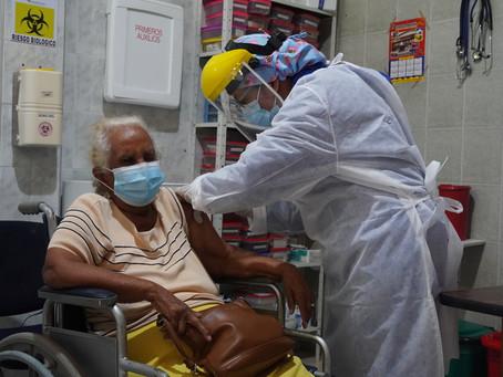 Inició vacunación de adultos mayores de 80 años en Barranquilla