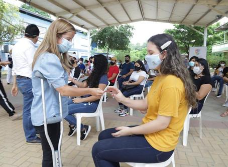 Estudiantes de Uniatlántico reciben internet móvil gratis por parte de la Gobernación