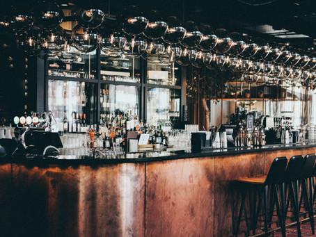 Gobierno autoriza consumo de licor en bares y restaurantes